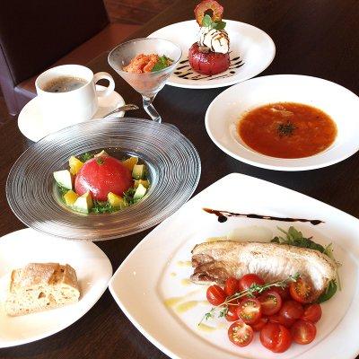 【ディナーチケット】セレブデトマトコース&3種のトマトジュース飲み比べ(厳選銘柄豚・鮮魚のポワレ)