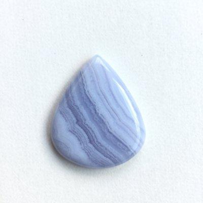 ブルーレースアゲート(bluelace agate)和名:空色縞瑪瑙(そらいろしまめのう)