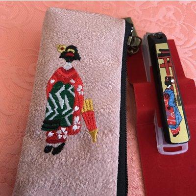 貝印製 蒔絵爪切り ミニサイズ 着物生地袋セット 【舞妓】