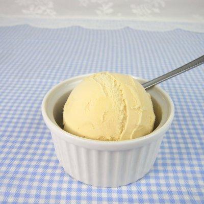 お腹に優しいアイス ロイヤルマハロバニラ ローストした安納芋で作った植物素材100%のアイスです