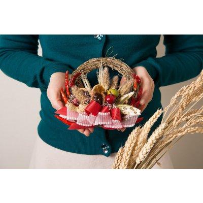 北海道産野菜と果物を使った雑穀が付いた食べられる野菜のリース