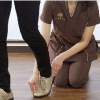 足や膝・下半身のお悩みの原因を付き止めましょ♪ しっかりとトータルカウンセリング