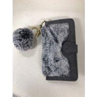 ■送料無料■♥iPhone7対応♥ラビット調フェイクファー♥ポンポンチャーム付き手帳ケース💛
