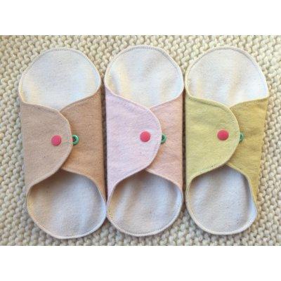 布ナプキン ライナータイプ三点セット「ヘナ染め」「ハーバルブレンド染め」「桜染め」各1個