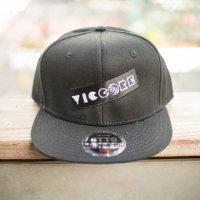 viccore ボックスロゴキャップ BLACK