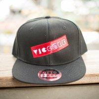 viccore ボックスロゴキャップ BLACK/RED