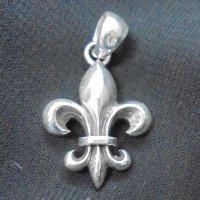 メンズペンダントトップ ユリの紋章 ホワイトサファイア シルバー925
