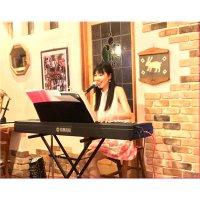 「新田ゆか」のピアノ弾き語り♪