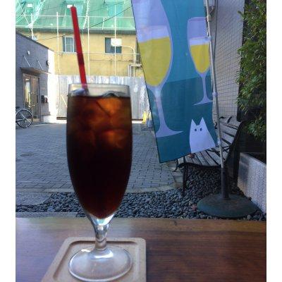 【平日学割】ドリンクおかわり付ゆったりプラン 一面のガラス窓が開放的な、吉祥寺6分の隠れ家カフェ