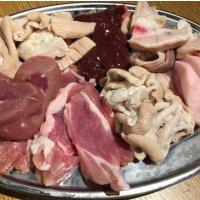 【送料無料!!】300g 豚ホルモン焼専門店の脂の美味しい香り豚お試しセット!~香り豚一頭買い!ごぞう...
