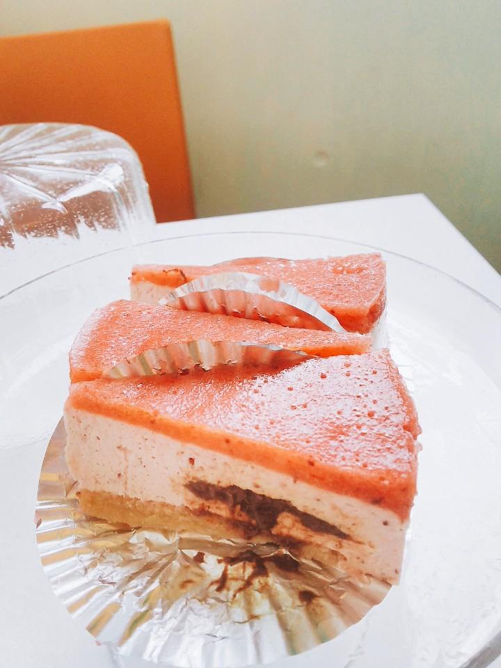 浜田山の愛犬家のためのカフェ ~コパン~   春のケーキ登場❗